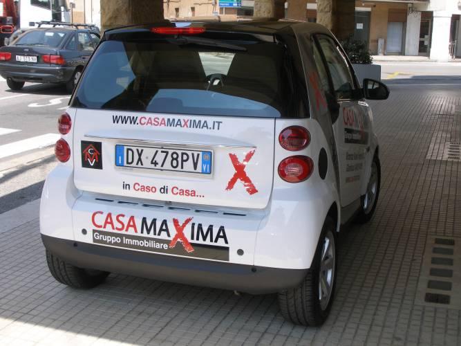 automezzo-casa-maxima-dietro