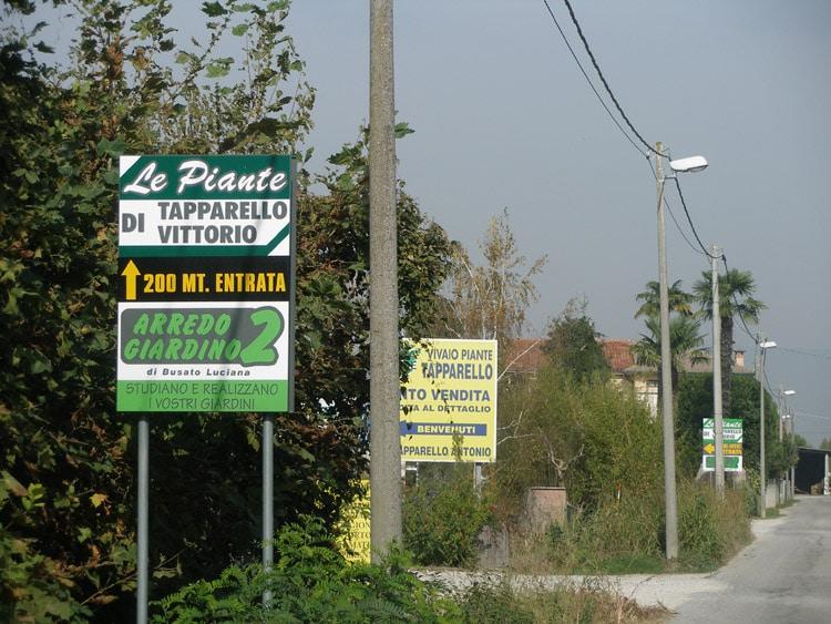 cartello stradale le piante