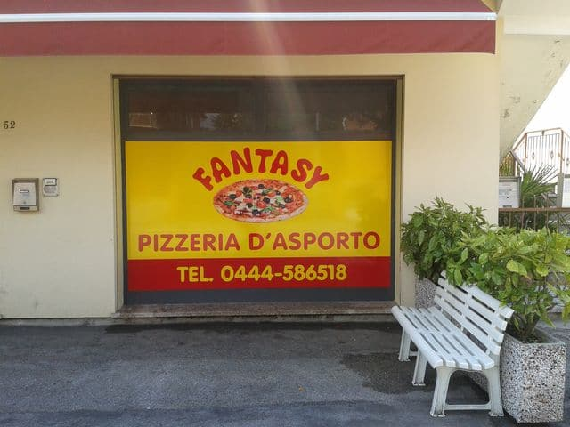 vetrofania_pizzeria-fantasy_1